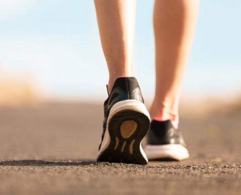 Mersul pe jos - Beneficii și dezavantaje, program, viteza, muschi